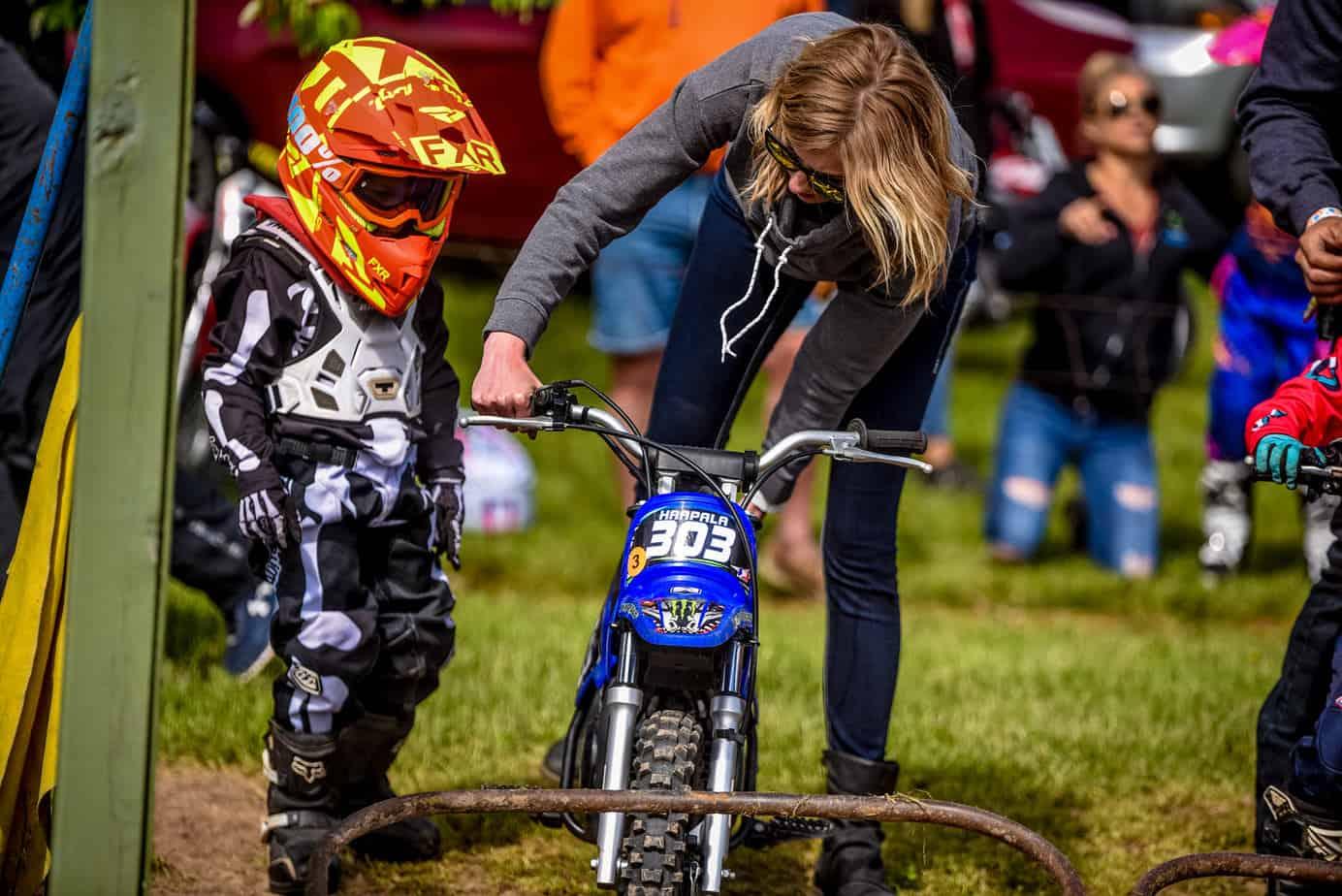 Moto-Mom-Racing-Leah-Haapala